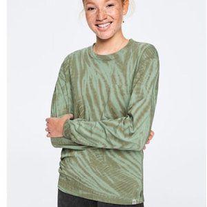 NWT VS PINK Green Tie Dye Long Sleeve Crew Tee L